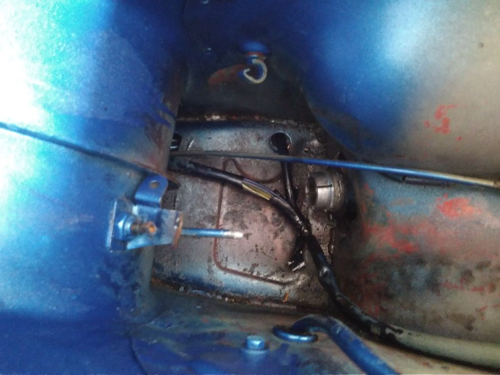 PK50 XL unter dem Sitz