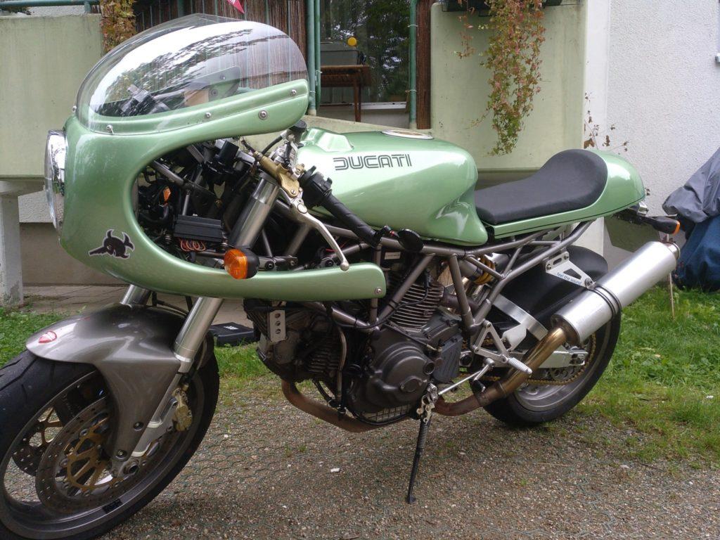 Schrägansicht Ducati 900 ss i.e. Carenata